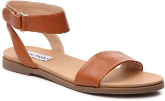 918aa76f8db Steve Madden Brown Flat Women s Sandals - ShopStyle