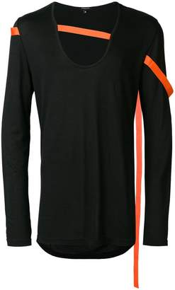 Unconditional contrasting strap jersey