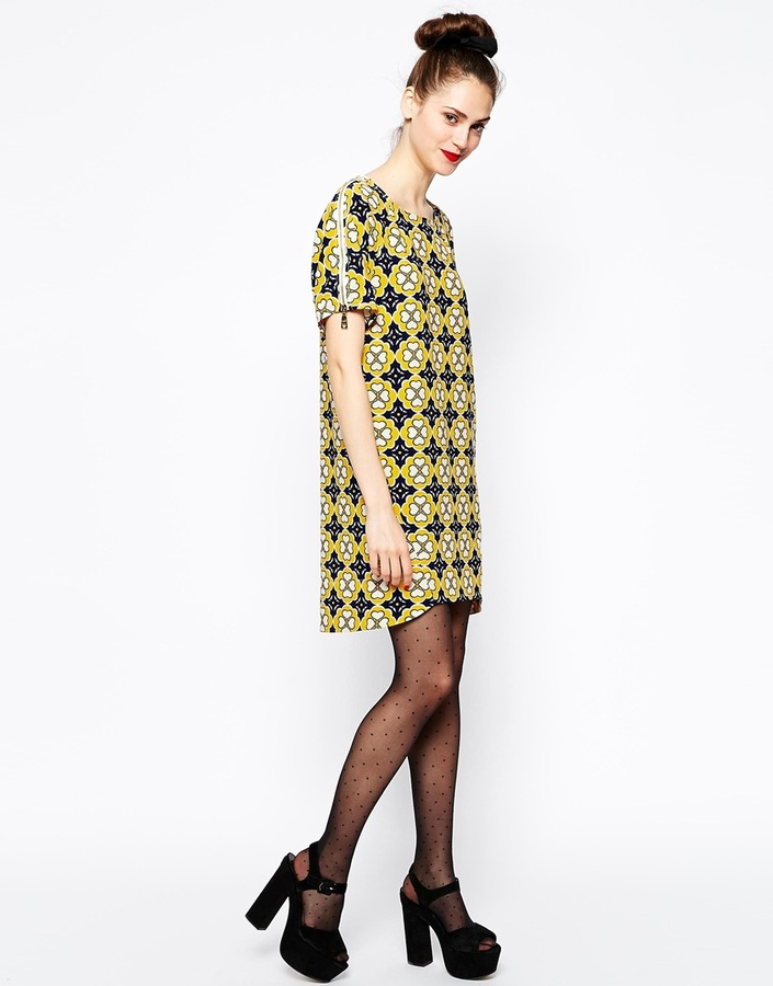 Love Moschino Short Sleeve Shift Dress in Floral Print
