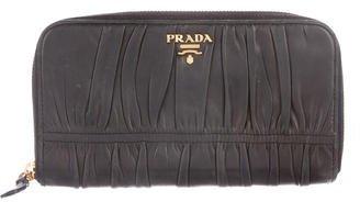 pradaPrada Nappa Gaufre Wallet