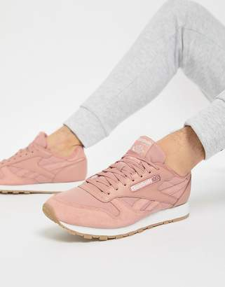Reebok Classic Leather ESS Sneakers In Pink BS9723