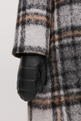 Cos QUILTED LEATHER MITTENS