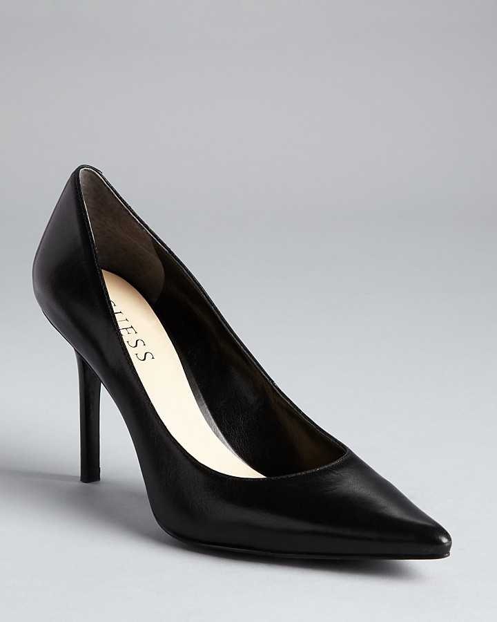 GUESS Pointy Toe Pump - Rolene2