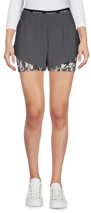 Sk8Y6 Shorts