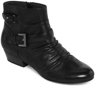 Yuu Valeretta Ankle Booties