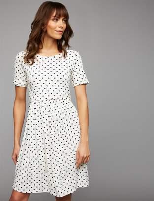 A Pea in the Pod Envie De Fraise Lift Up Dot Nursing Dress