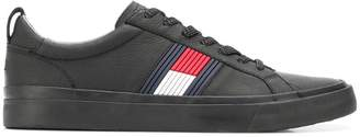 Tommy Hilfiger low top logo sneakers