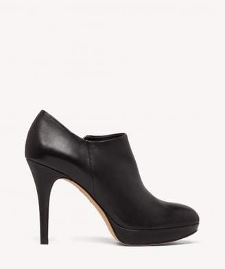 Sole Society Elvin leather bootie