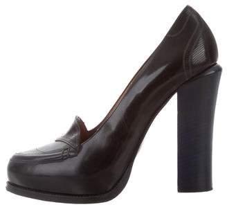 Fendi Leather Semi Pointed-Toe Pumps