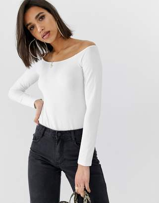 7986ab6f9dd7e Asos Design DESIGN off shoulder top with long sleeve in white