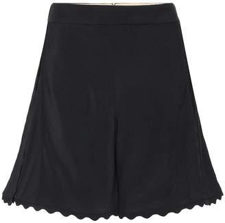 Chloé Scalloped crepe shorts