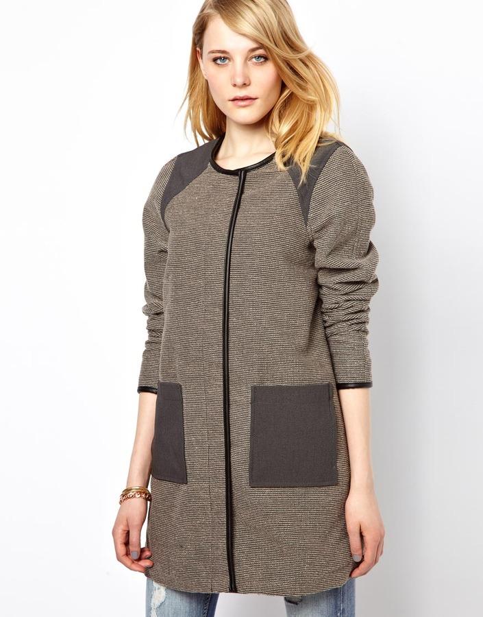 Vila Contrast Trimmed Coat
