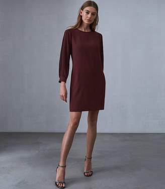 Reiss Our last order date for Christmas has now passed AMERIE PLEAT SLEEVE SHIFT DRESS Berry