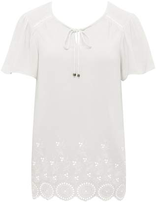 M&Co Broderie border top