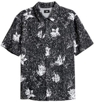 H&M Short-sleeved Lyocell Shirt - White