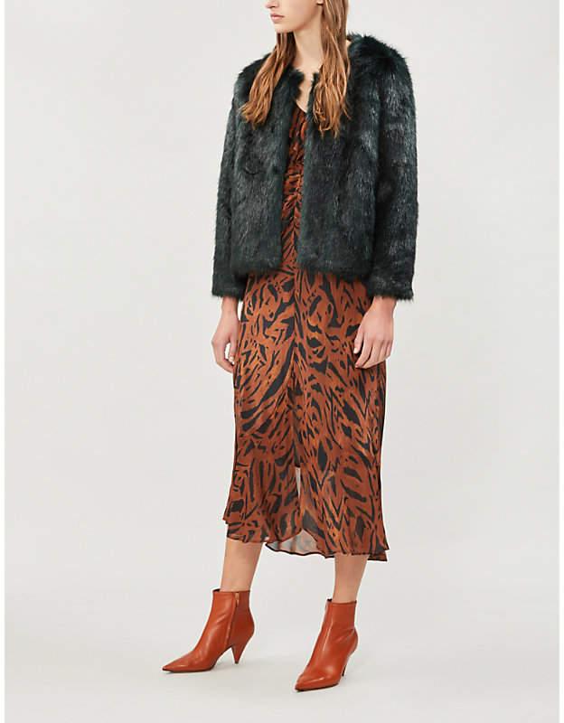 Waddy collarless faux-fur coat