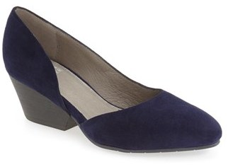 Women's Eileen Fisher 'Lily' Pump $195 thestylecure.com