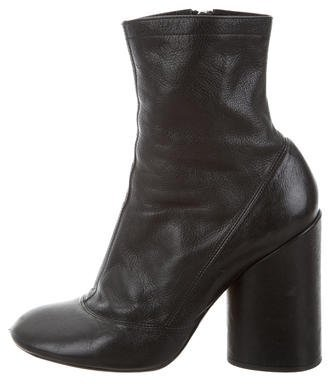 Marc Jacobs Marc Jacobs Leather Round-Toe Ankle Boots