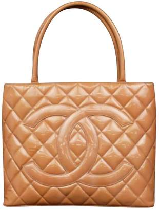 Chanel Médaillon leather tote