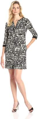 Gabby Skye Women's 3/4 Sleeve V Neck Printed Shift Dress
