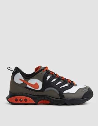 Nike Terra Humara '18 Sneaker in Olive Grey/Deep Orange/Black