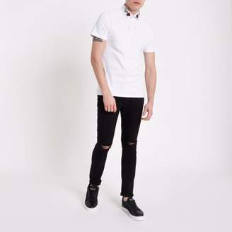 River Island Mens White slim fit rose embroidered polo shirt
