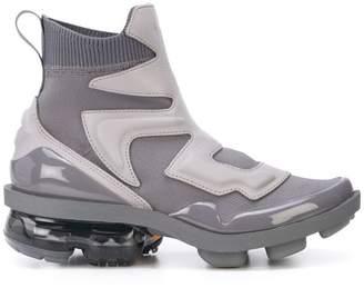 Nike VaporMax Light II sneakers