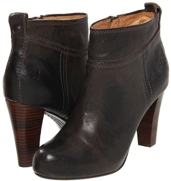 Frye Miranda Stud Bootie (Black Vintage Veg Tan) - Footwear