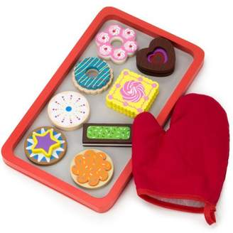 Imagination Generation Warm Delights Wooden Cookie Tray with 8 Whimsical Cookies and Oven Mitt