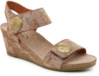 Taos Carousel 2 Wedge Sandal - Women's