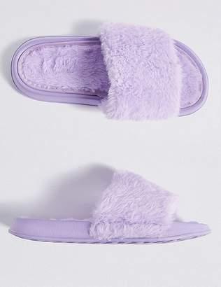 "Marks and Spencer Kidsâ Faux Fur Freshfeetâ""¢ Slide Slipper (13 Small - 6 Large)"