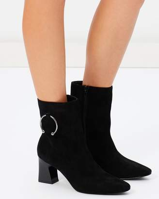 ICONIC EXCLUSIVE - Naya Leather Ankle Boots