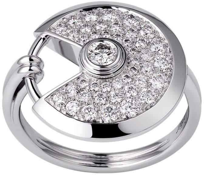 Small White Gold and Diamond Amulette de Ring