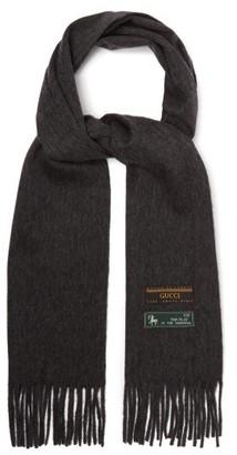 Gucci Logo Tag Wool Blend Scarf - Mens - Grey