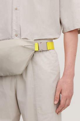 Cos CONTRAST-STRAP CROSSBODY BAG