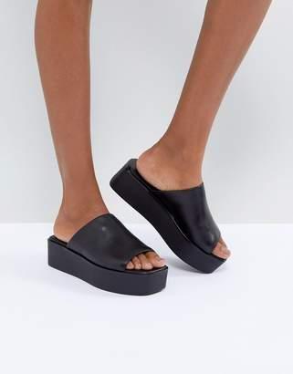 Vagabond Bonnie Black Leather Platform Slides
