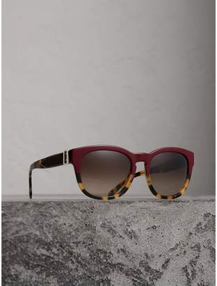 Burberry Buckle Detail Square Frame Sunglasses, Red