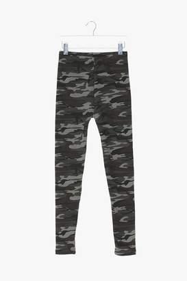 Genuine People Camouflage Velvet Leggings
