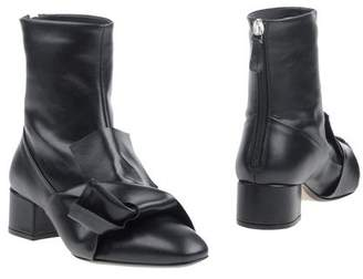 N°21 Ankle boots