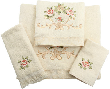 Avanti Rosefan Towel Set