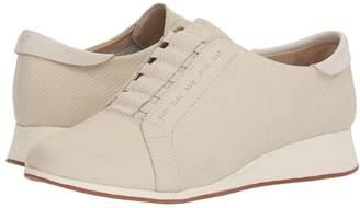 Hush Puppies Evaro Slip-On Oxford Women's Slip on Shoes