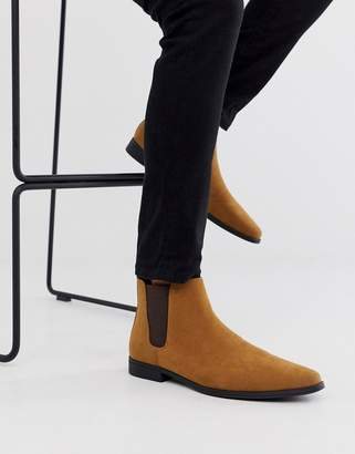 Asos Design DESIGN chelsea boots in tan faux suede