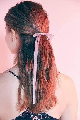 Urban Outfitters Victorian Slim Hair Bow $8 thestylecure.com