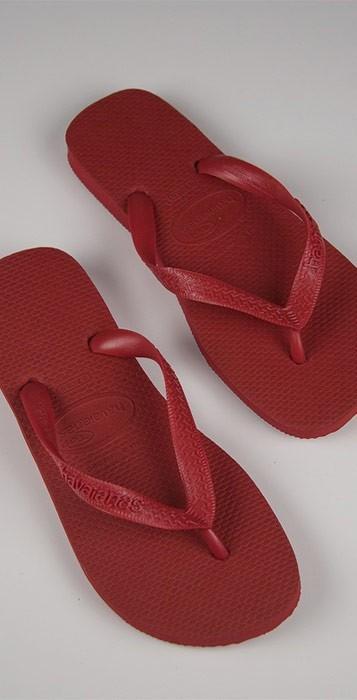 Havaianas Top Flip Flops in Red