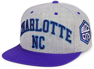 Mitchell & Ness Charlotte Hornets Side Panel Cropped Snapback Cap