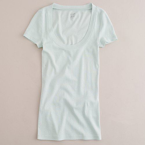 Perfect-fit short-sleeve scoopneck tee