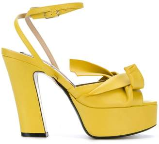 No.21 abstract bow platform sandals