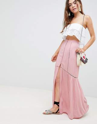 Asos (エイソス) - ASOS DESIGN crinkle maxi skirt with lace trim detail