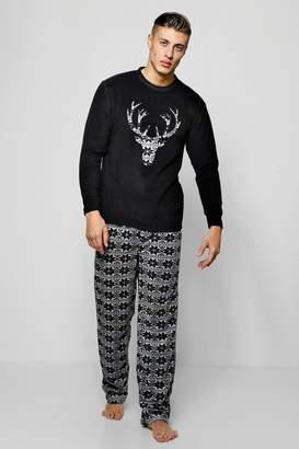 boohoo Christmas Stag Fleece Pyjama Set