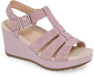 Vionic Tawny Wedge Sandal